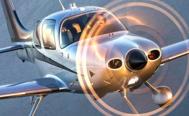 cirrus aircraft flying for an aircraft appraiser