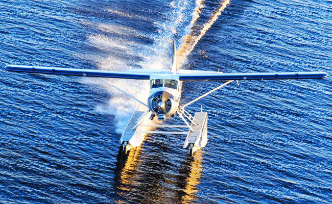 float plane that can receive an aircraft appraisal